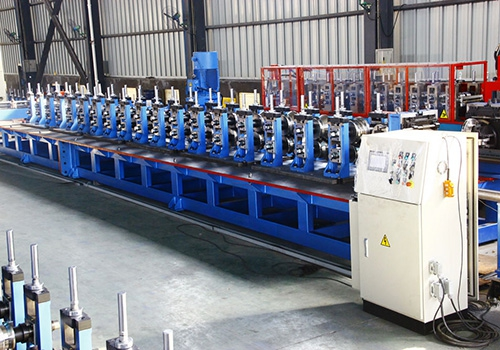 Automatic production line for cold bending forming of shelf column